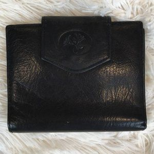Buxton Women's Black Cowhide Leather Wallet